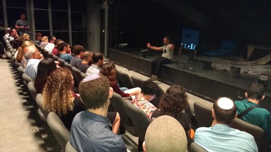 שיחה עם במאי ההצגה יפים ריננברג